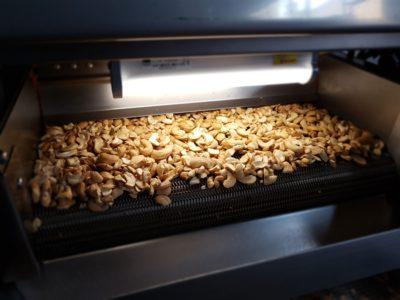 Мини-печь туннельного типа для орехов